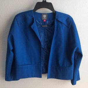 Beautiful Vince Camuto cropped blazer
